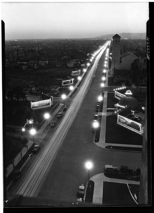 Wilshire Boulevard, 1928 - you can see the Brown Derby restaurant. I would go to the Brown Derby after the horse races....awww the good old days.
