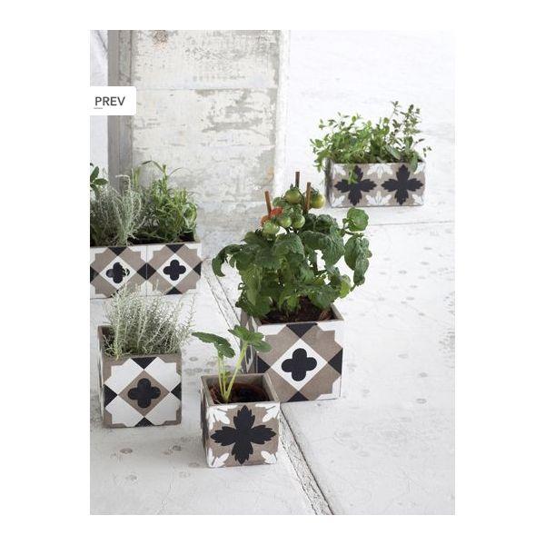 les 25 meilleures id es concernant jardini res en ciment. Black Bedroom Furniture Sets. Home Design Ideas