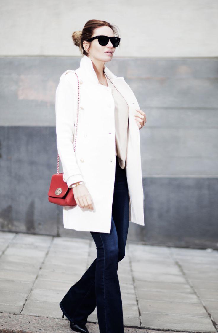 Carolina Gynning wearing Busnel, Mulberry bag. MiH jeans, Prada.