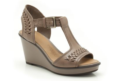 Womens Casual Sandals - Propose Ring in Mushroom Leather from Clarks shoes