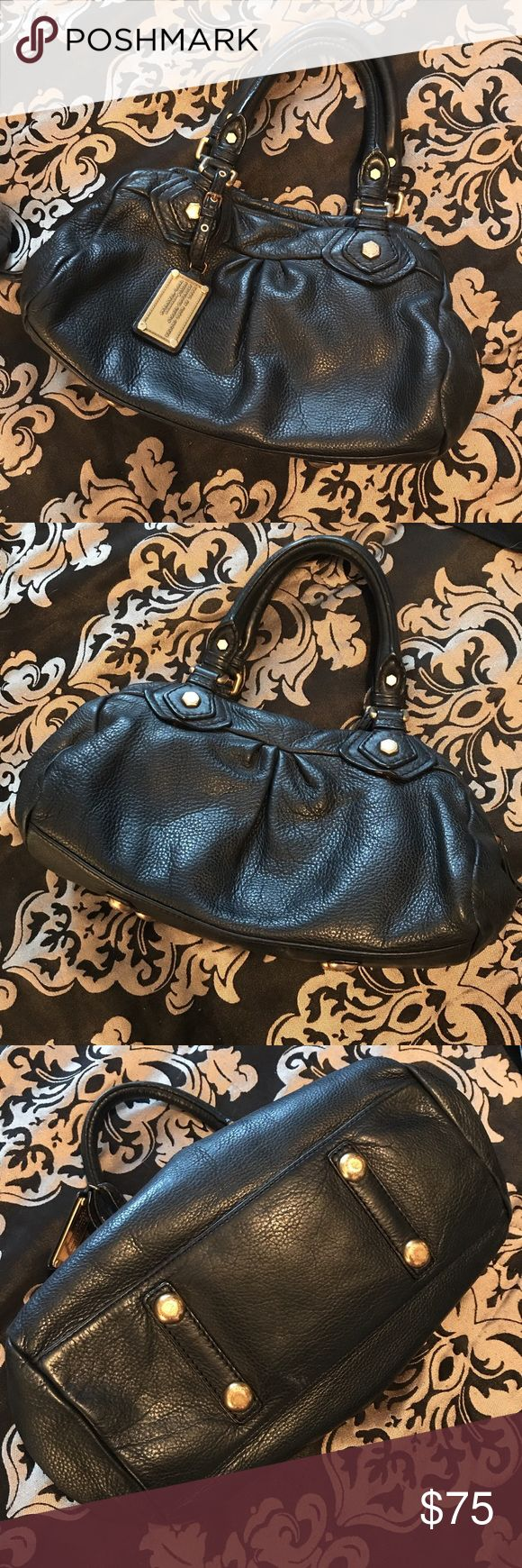 Marc Jacobs Classic Baby Q Groovee Bag Hardly any wear n tear. Not one crack in leather. It's a beauty! Black with hardly a damaged corner. Seriously great shape. I cleaned it with leather cleaner and protector. Check out my other listings here & on De Pop & Merc. I have a shop on Etsy too. White rabbit vintage shoppe Dallas. Thanks! Marc Jacobs Bags