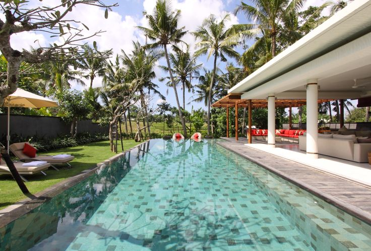 Pool and garden Villa Dewi Sri Bali