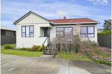 This 3 Bedroom plus Study on a large section in Manurewa is on the market for $485,000 and within the Welcome Home Loan Cap- so with a 10% deposit of $48,500 - you'll need a home loan of $436,500 which will cost you approx $602 weekly (based on a 30 year loan at 5.99%) Call us on 0800449049 to get your home loan application underway - our services are FREE!Check out this property
