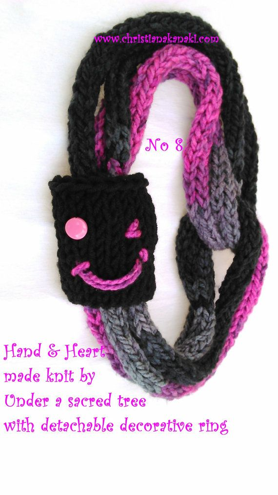Hand & Heart knitted necklace with detachable by Underasacredtree