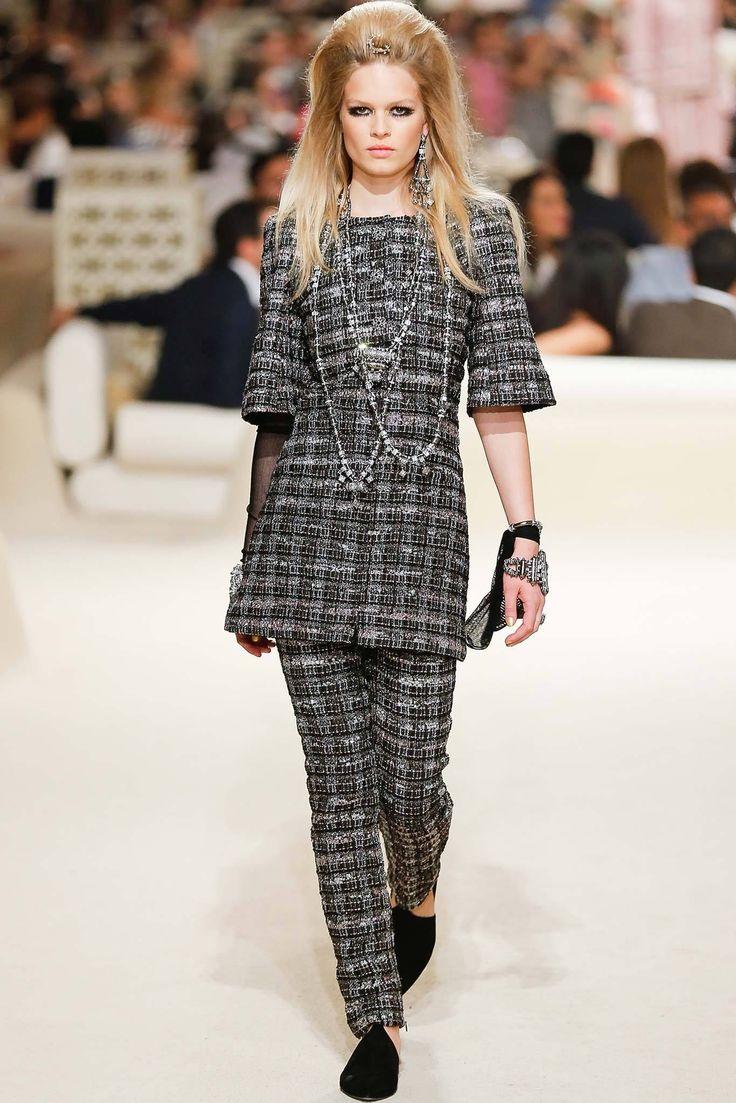 Chanel Resort 2015 Fashion Show - Anna Ewers