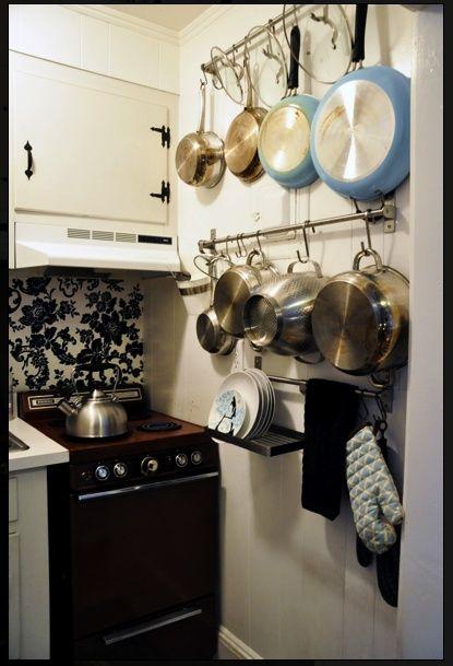 25 best ideas about ollas para colgar en pinterest for Macetas para cocina