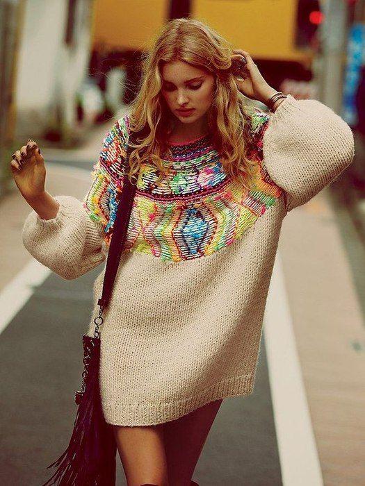 Каждая женщина, модница, которая планирует свой гардероб, а так же используя свои предпочтения создает непредсказуемые прекрасные новые образы. К таким новинкам и относится образплатье-свитер. Чтобы …