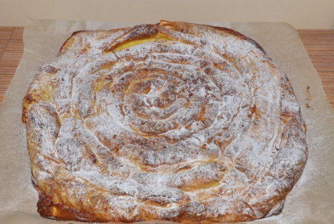 Retete Culinare - Placinta melc cu branza si crema de vanilie
