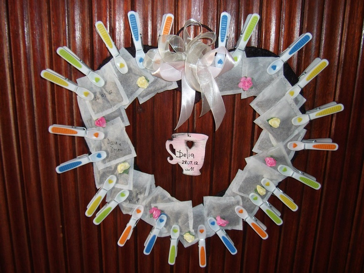 Wreath of Tea bags for the Front Door - a beautiful way to welcome guests