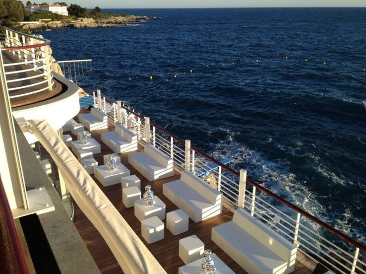 terrasse cannes nettoyage temps with roland vlaemynck magasin d usine. Black Bedroom Furniture Sets. Home Design Ideas