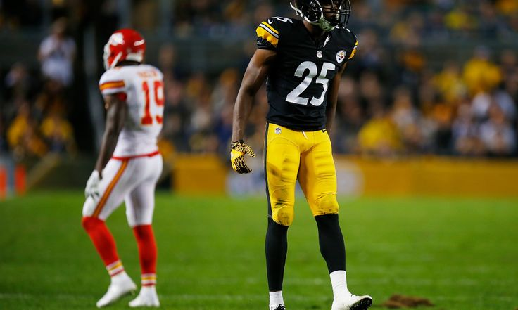 PITTSBURGH, PA - OCTOBER 02:  Artie Burns #25 of the Pittsburgh Steelers reacts after breaking up a pass intended for Jeremy Maclin #19 of the Kansas City Chiefs in the first half during the game at Heinz Field on October 2, 2016 in Pittsburgh, Pennsylvania. (Photo by Justin K. Aller/Getty Images)