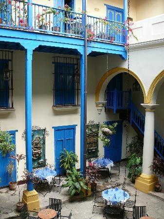 shoes athletic works Courtyard in Havana  Cuba
