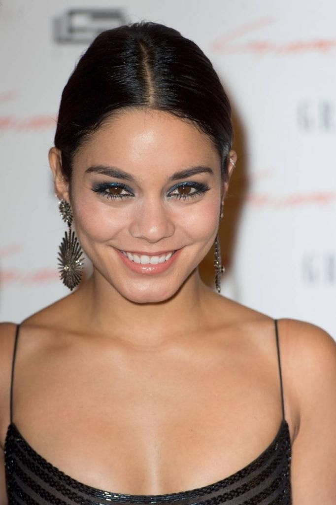 "Vanessa Hudgens - ""Gimme Shelter"" Premiere In Paris : Global Celebrtities (F) FunFunky.com"