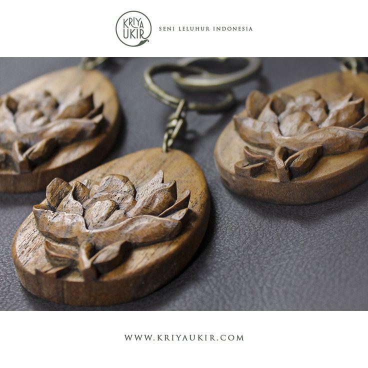 Souvenir Kerajinan Gantungan Kunci Kayu Kriya Ukiran Jepara Indonesia