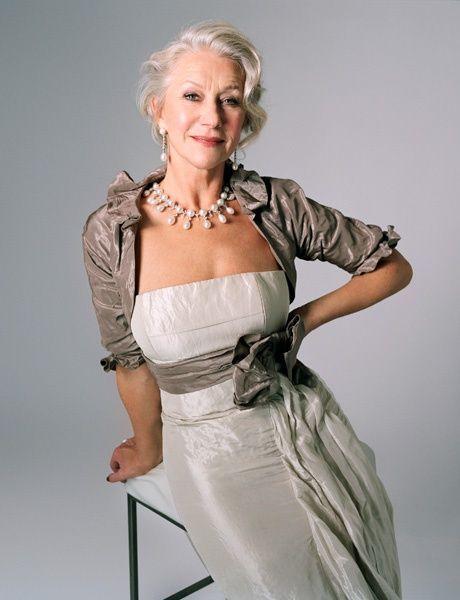 """A medida que pasa el tiempo, te sientes más cómoda contigo misma, aún cuando los años te dan menos razones para ello"""", dice esta actriz de casi 70 años que es una verdadera inspiración para todas las mujeres."""