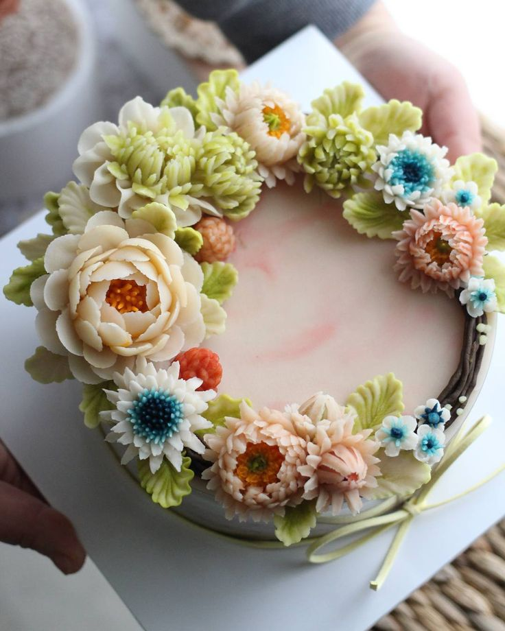 Cake Decorating Piping Flowers : 450 best images about Piping art/ Bicos russos ...