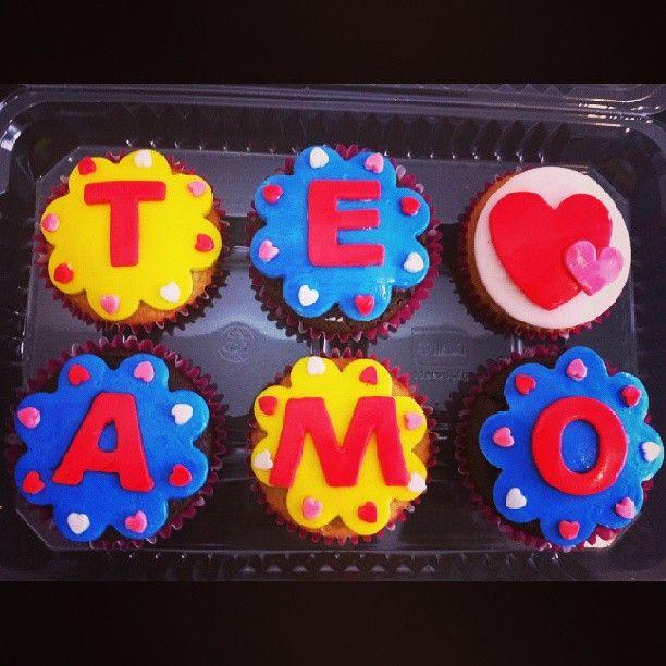 Regala un #TeAmo regala #cupcakes #SoSweet - Haz tus pedidos en #PasteleriaSoSweet en #Bogota 317 657 5271 (1) 625 1684 o visítanos en #Cedritos en la Cra 11 No. 138 - 18. Síguenos también en www.Facebook.com/PasteleriaSoSweet Twitter: www.twitter.com/sosweetchef Pinterest: www.pinterest.com/sosweetcol e Instagram: @PasteleriaSoSweet