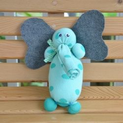 Make a new friend in about 10 minutes with just a few simple supplies and easy-to-follow instructions! Makes a great baby shower gift, too!  Posted by One Tough Mother