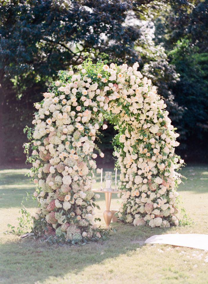 romantic wedding arch ideas for spring garden wedding