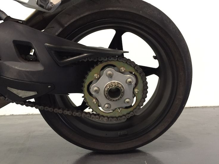 Descubre nuestras impresionantes motos... MV AGUSTA BRUTALE 910....Brutal!  #motos   #concesionarios   #ventamotos   #motossegundamano  #mvagusta