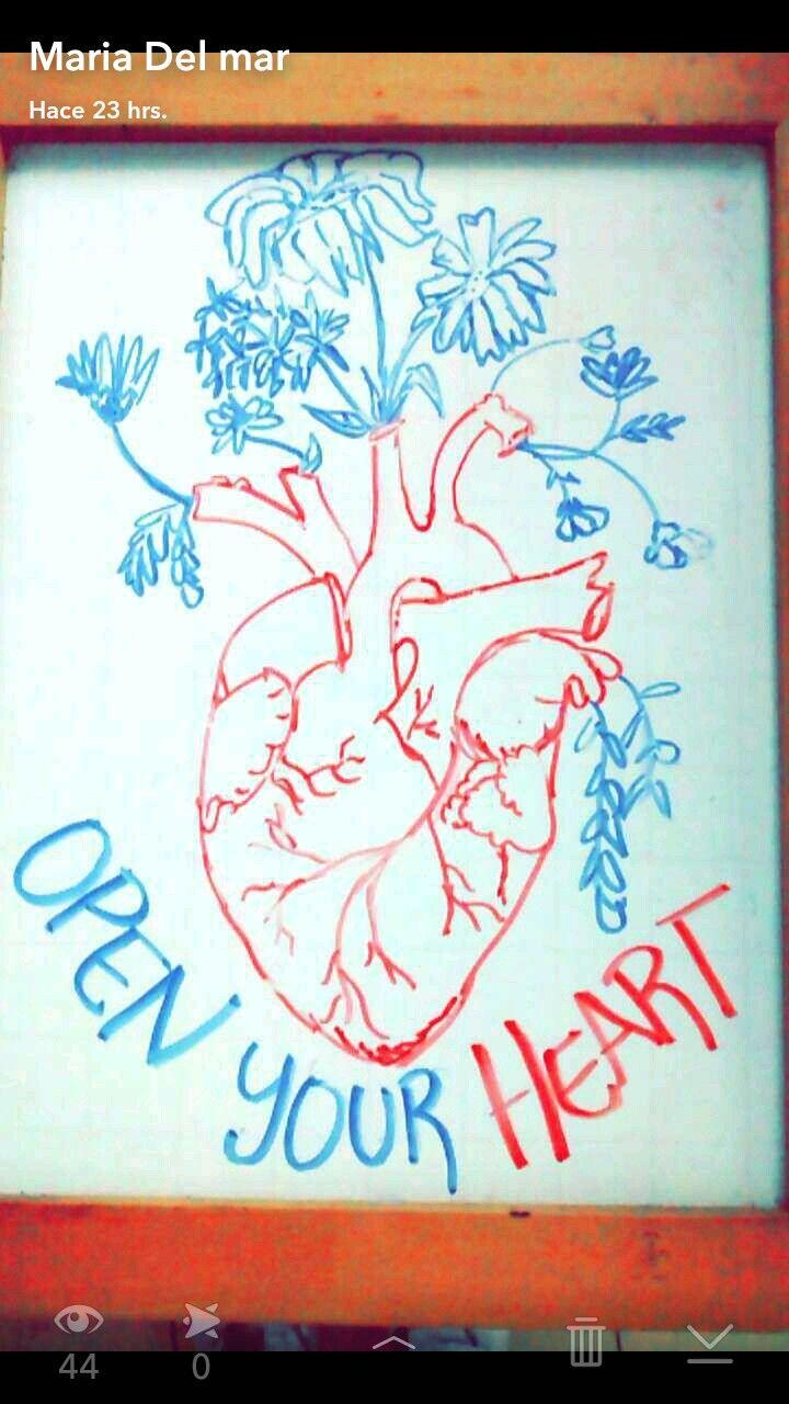 Abre tu corazón y la mente callara .déjalo latir y poco a poco amarás... 💘