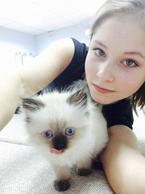 Yulia and her cat