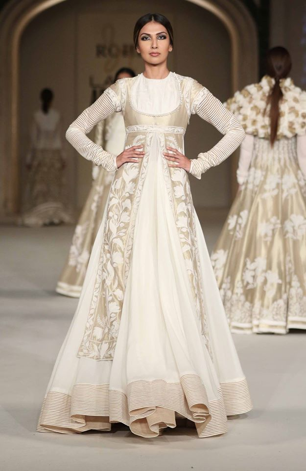 Scarlet Bindi - South Asian Fashion and Travel Blog by Neha Oberoi: LAKME FASHION WEEK SUMMER/RESORT 2016 GRAND FINALE: ROHIT BAL