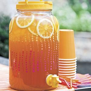 Spiked Arnold Palmer--Add bourbon to this summer drink for an alcoholic version of the classic Arnold Palmer.