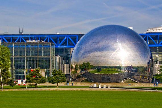 Cite des Sciences- Paris Fransa Dünyanın en çok ziyaret edilen bilim merkezlerinde başta yer alıyor. Bilim Merkezi Parc de la Villette projesinin içinde bulunuyor.