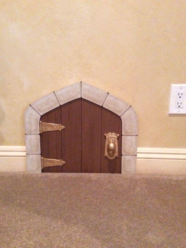 """Disney Alice In Wonderland """"Door and Doorknob"""""""