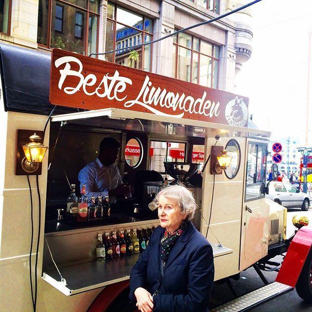 Best Limonade Fentman's @ Hamburg City on a sunny day #sunnyday #hamburg #ilove #trixigronau #myhomecouture #fentmans #limonade #roselimonade #nice #ichliebes #bio #oldtimer #vintage #cocktail #like #followme #picoftheday
