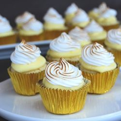 """Meringue Lemon Pie"" Mini-Cupcakes (recipe in French)."