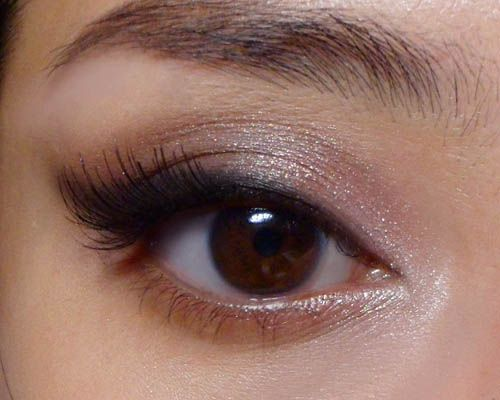 Soft Glamor: Easy Evening/Party/Prom Neutral EyeFor everyone who is relatively new to eye makeup and not sure how to add some flattering glamor for formal occasions, this is a look you can try.