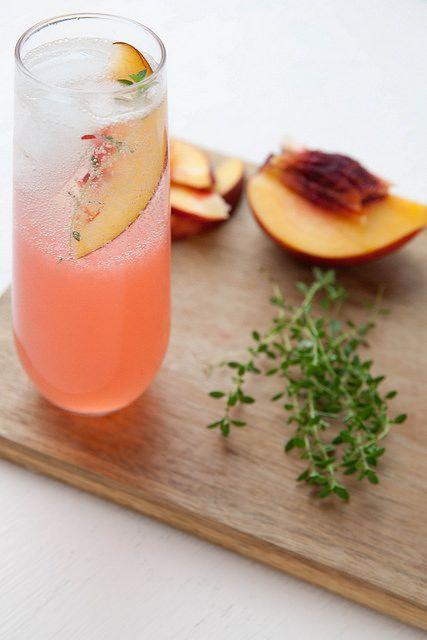 Nectarine Thyme Gin Fizz /