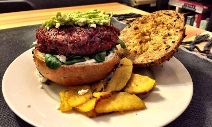 Vegetari�nsk� burgery z quinoi a �erven� �epy