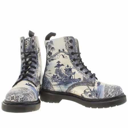 womens dr martens white & navy pascal 8-eye boot willow ...