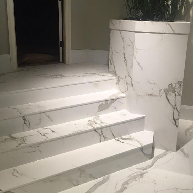 Now that's a grand entrance! Dekton Aura covers the stairs and facade in this glamorous space, shared by International Stone Collections. #architecture #interiordesign