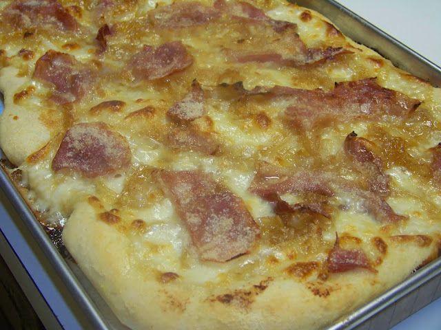 Caramelized Onion & Prosciutto Pizza - MrsHappyHomemaker.com, omgosh ...