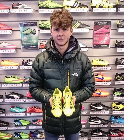 Ahead of the Scottish Youth Cup final tonight, we interviewed Motherwell FC's Dom Thomas about boots, match preparation, those James McFadden comparisons and his dream teammate.