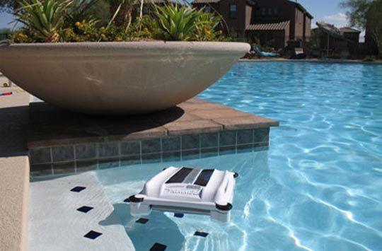 Solar Breeze - Solar powered robotic pool cleaner