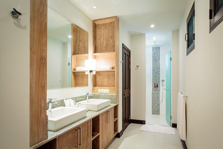 guest suite bathroom @ villa 78 phuket