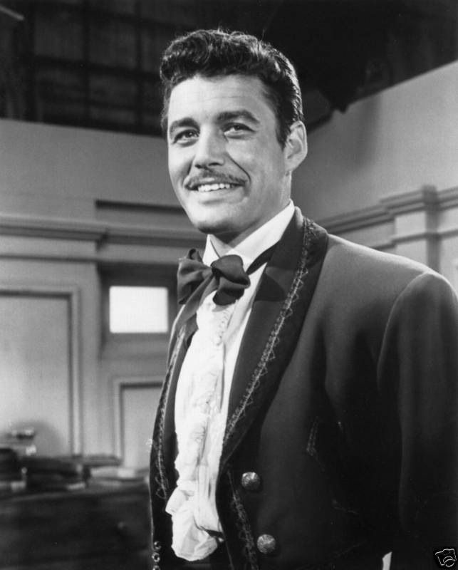 "GUY WILLIAMS AS ""ZORRO"" (& Lost In Space tv series) - www.remix-numerisation.fr"