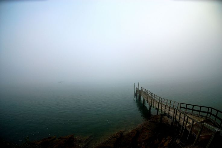 pier_lake_descent_uncertainty_fog_60618_1920x1285.jpg 1920×1285 pixels