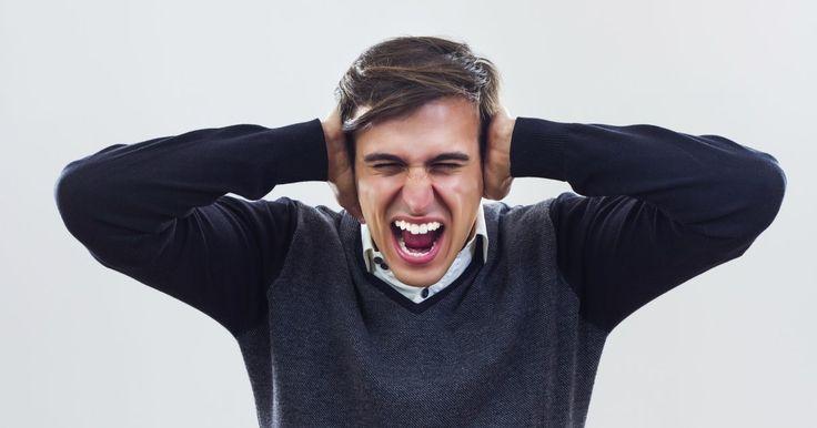 La verdad detrás del dolor de cabeza. Se denomina cefalea al dolor de cabeza . Puede ser primario, es decir, no causado por una patología. Dentro de las cefaleas primarias se encuentra la migraña o jaqueca, la cefalea tensional y la cefalea en brotes o racimos. Luego están los los dolores de cabeza secundarios, entre los cuales se encuentra la ...