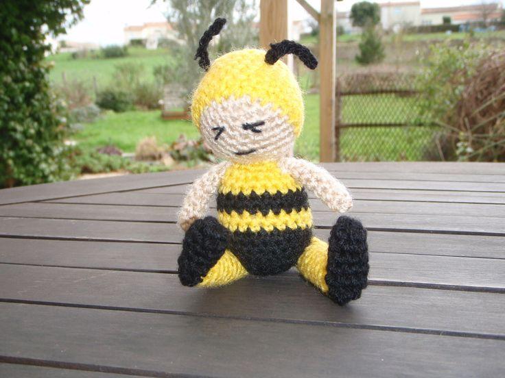 Maya l'abeille, amigurumi au crochet