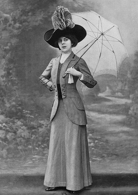 Les Modes (Paris) 1910 tailleur par Bernard