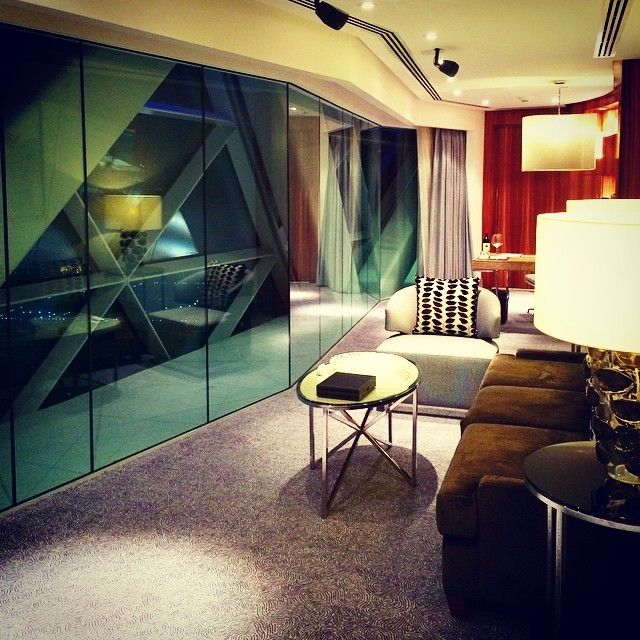 The suite life at Hyatt Capital Gate Abu Dhabi. Photo courtesy of @theyhbu on Instagram.