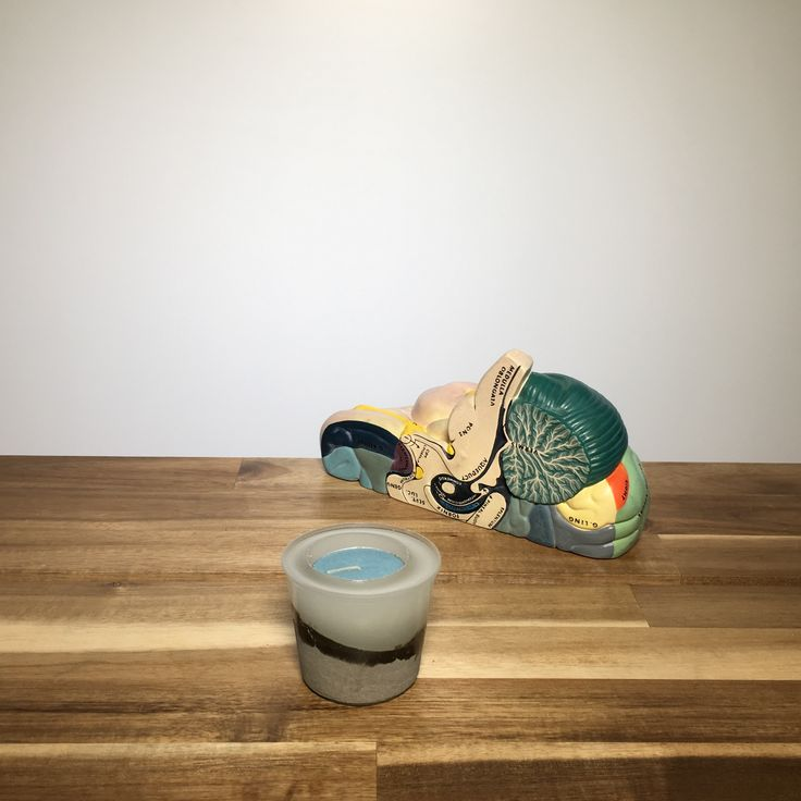 Concrete and resin tea light holder
