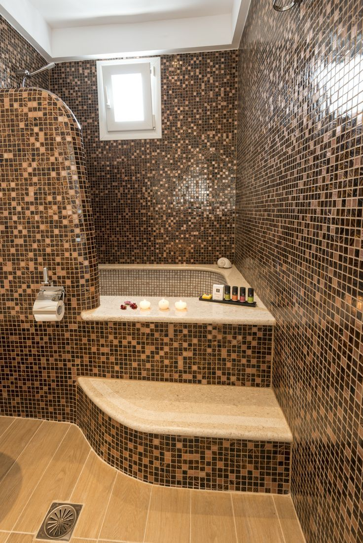 How about a mosaic fresh bathroom, feeling relaxed at Paliomylos superior studio, in #Naousa_Paros_Greece.