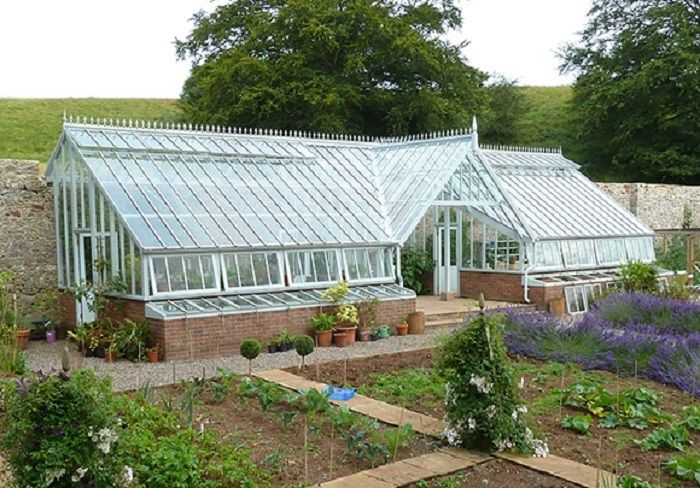 Greenhouse Built Into A Hill Www Solarinnovations Com